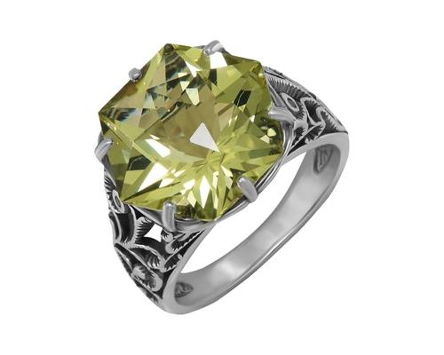Серебряное кольцо с кварцем, фианитами и чернением