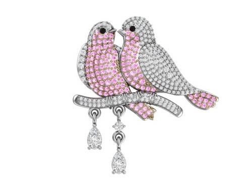 Серебряная брошь «Горлицы» с розовыми, черными и бесцветными фианитами