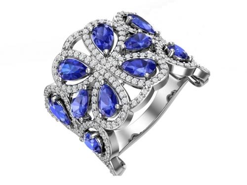 Серебряное кольцо с кварцем синтетическим сапфировым и бесцветными фианитами