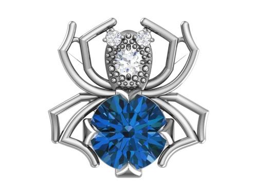 Серебряная брошь «Паучок» с синим синтетическим кварцем и бесцветными фианитами